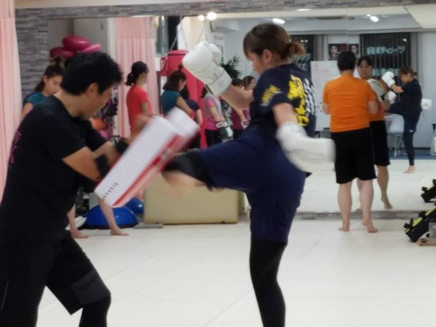 女性専用 キックボクシング Beauty Kick X
