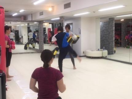 女性専用 美尻トレーニング Beauty Kick X