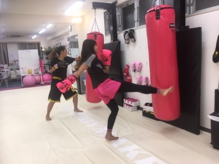 上野 女性 キックボクシングジム フィットネス エクササイズ Beauty Kick X